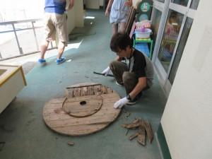 材木作りです。どこから手を付けたらよいのか、難しそうでした。