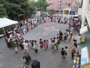 夕涼み会の最後は、東日本大震災よりの復興を願って、五回目の復興支援の祈りを皆で献げました。