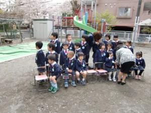 ゆり組さんは集合写真を撮りました。