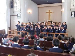 ゆりさんが、お祝いの歌を歌ってくれました。