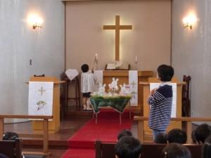 イースター礼拝の始まりです。