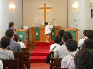 礼拝もお父さんと一緒に守りました。