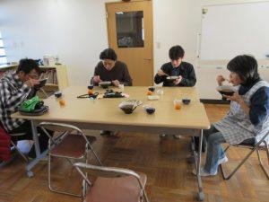 作業後、みんなで美味しいトン汁を頂きました。