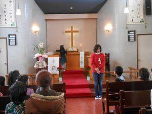 卒園してから初めての礼拝のお友達もいます。讃美歌も、お祈りも、最初は声が小さかったです。